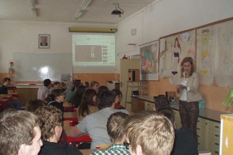 Přednáška na týnském gymnáziu